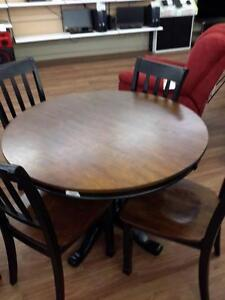 *** USED *** ASHLEY OWINGSVILLE 6PC DINETTE   S/N:51228878   #STORE556