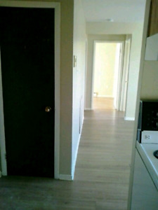 2 BEDROOM EAST AVAILABLE ASAP