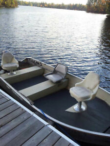 14 foot Mirrocraft Boat for Sale