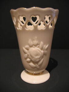 "LENOX CHINA ""HEART POSY"" SMALL VASE IN BOX"