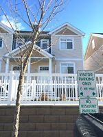 Beautiful Town House For Rent in Lake Summerside
