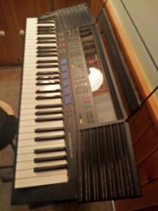 Yamaha PSR 47 keyboard