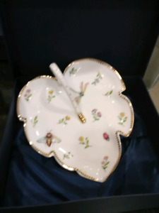 Primrose by I Godinger & Co dessert plates and serving plate
