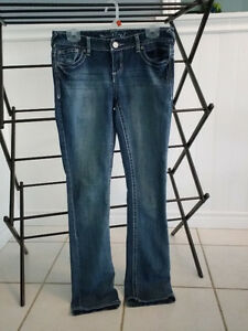 Excellent Condition Maurices Women's size 3/4 Jeans