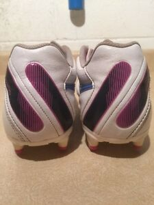 Women's Nike Tiempo Outdoor Soccer Cleats Size 8 London Ontario image 6