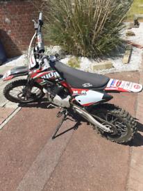 M2R Racing Pit Bike 140cc
