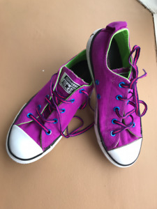 Girls Converse shoes (size 3)