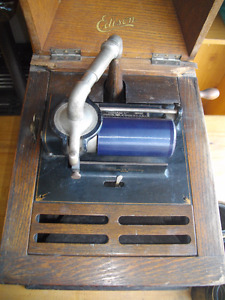 """EDISON ANTIQUE """" AMBEROLA DX """" CYLINDER TABLE TOP PHONOGRAPH"""