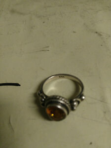 Vintage Sterling silver and amber ring size 8 London Ontario image 3