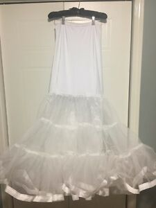 Wedding dress Slimming mermaid style crinoline
