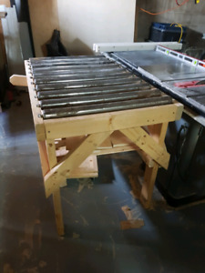 Table saw roller table