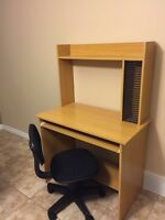 Ikea desk with chair for sale 65$
