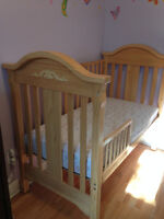 Storkcraft Covertible Crib in good condition