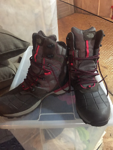 Womens Northface winter hiking boots