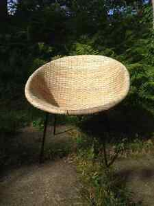 chaise rotin vintage mid century wicker chair