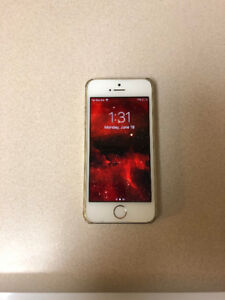 Unlocked Rose Gold 16GB iPhone 5S.. Great condition!