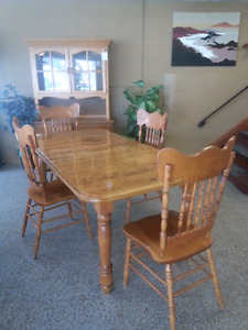 Solid Maple Dining Table and Four chairs