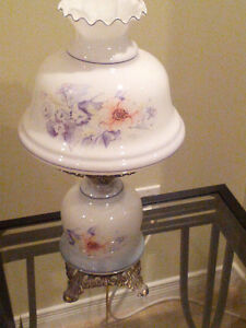 Beautiful Vintage Design Lamp-Brand New