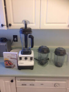 Vitamix total nutrition package All 3 containers.