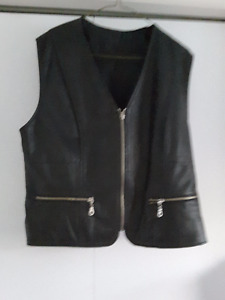 ladies leather motercycle vest  like new