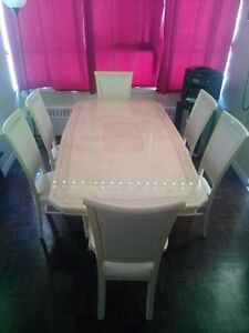 Eddi Rose Collection Dinning Room Table & Hutch