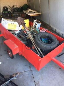 5x3.8 trailer with everything in it 300$