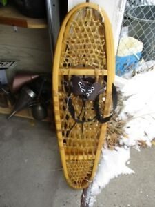 SNOWSHOES FROM ESTATE
