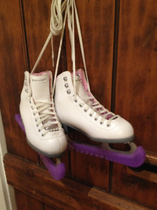 Riedell Pearl Figure Skates - Youth Size 3