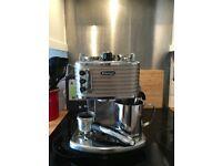 DeLonghi Scultura ECZ351W Coffee Machine - Silver