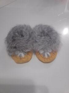babygirls fur trimmed moccasins