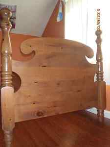 solid wood four poster twin bed