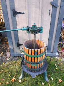 Grape/Wine/Apple Cider Press