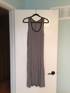 WOMENS Size Large Dresses **PRICES IN DESCRIPTION**