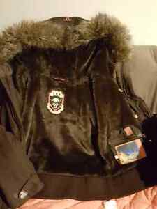 New (tna) jacket with fur. (Price reduced) $65 West Island Greater Montréal image 3