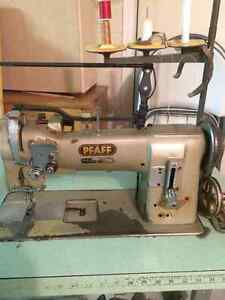 PFAFF COMMERCIAL SEWING MACHINE AND TABLE