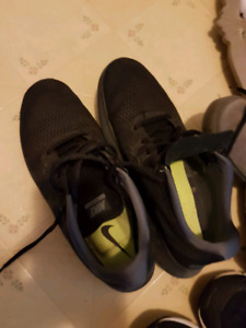 Mens Nike RN Shoes size 10