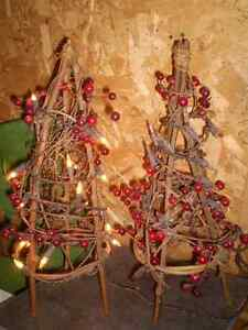 2 X-mas Ornaments with lights