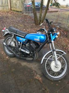 HEAD-TURNER! VINTAGE 1973 Yamaha RD250 - Great Condition