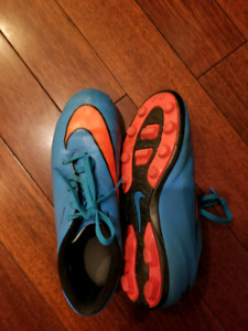 Size 5 Nike Mercurial Cleats