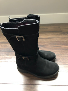 Joe Fresh zipper boots - size 9 toddler