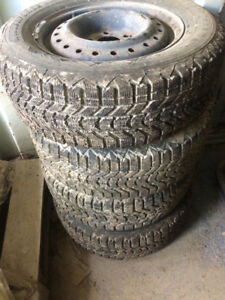 Winter snow tires/ good condition!!