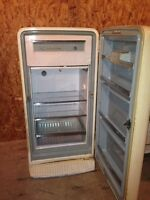refrigerateur RETRO fridge Moffat