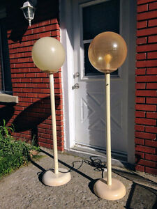 Rare - 2 Vintage Olympia Lunar Space Floor Lamp West Island Greater Montréal image 2