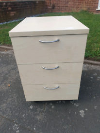 Desk pedestal office cabinet drawer in good condition