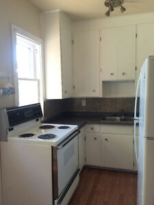 Bright 3 Bedroom Apartment Perfect for Students!