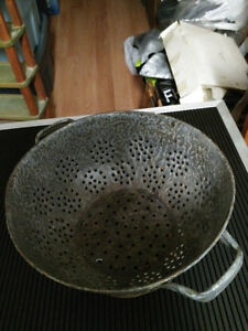 "Vintage Colander/Strainer Grey Graniteware. 8 1/2"" wide. London Ontario image 1"