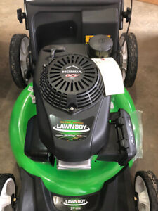 Lawnboy lawnmower with Honda engine