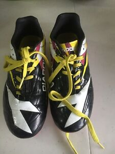 Girls  Soccer Cleats - Size 2