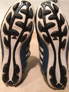Women's Adidas Outdoor Soccer Cleats Size 7 London Ontario image 2