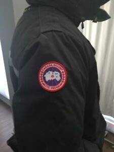 Canada Goose Men's Parka Jacket Medium with Brand New Gloves